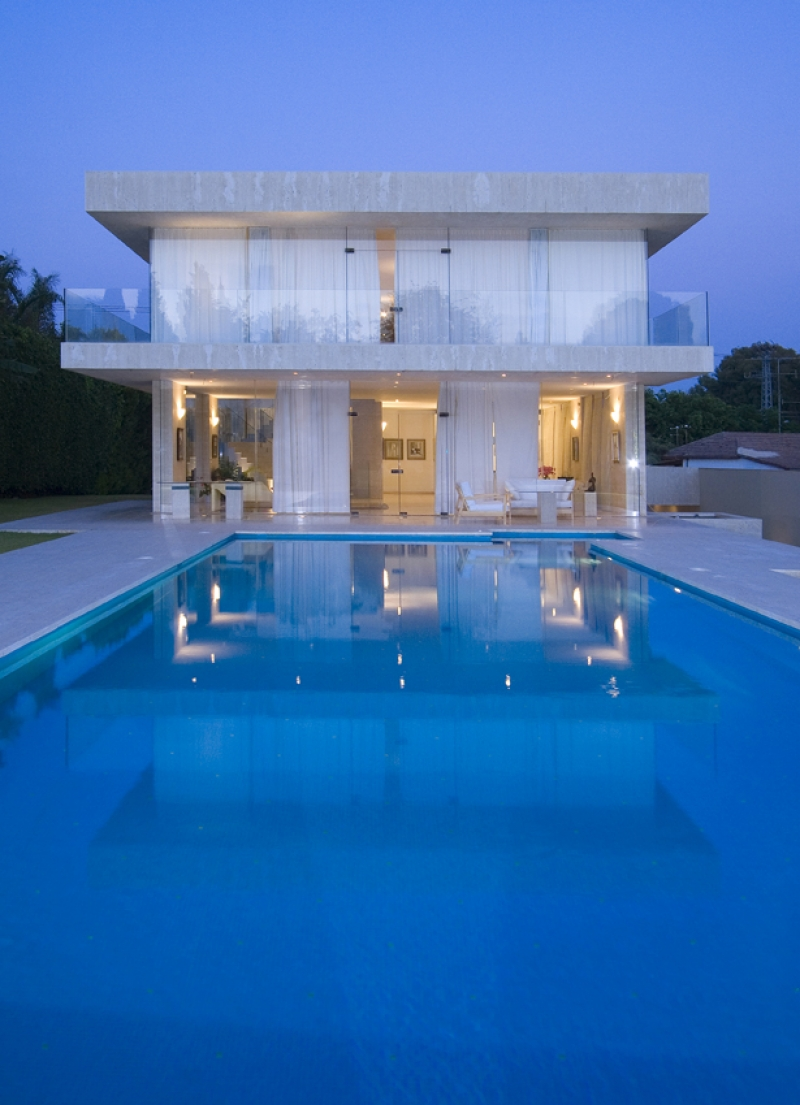 Modern house for rent in kfar shmaryahu luxury real for Modern house for rent