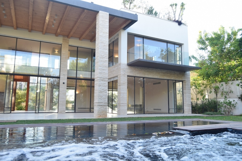 Modern Tuscan House For Sale In Hpituach Luxury Real